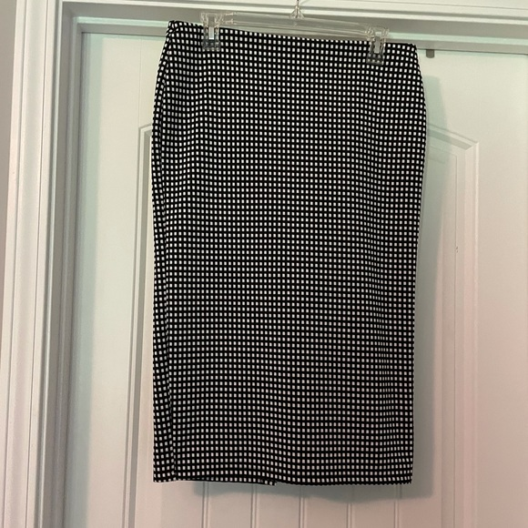 Old Navy Skirt- Size M